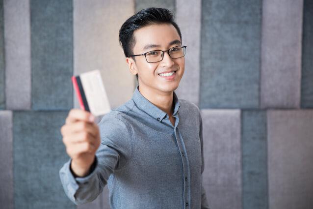 บัตรเครดิตธนาคารกรุงเทพกดเงินสดได้ไหม ขั้นต่ำและดอกเบี้ยเท่าไหร่ คุ้มค่าน่าใช้หรือเปล่า?