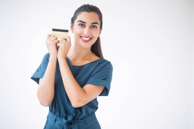 บัตรเครดิตแพลทินัมระดับสูง เพื่อนิติบุคคลและองค์กรมีประโยชน์และคืนเงินแตกต่างกันอย่างไร? มาฟังชาว Pantip กัน!
