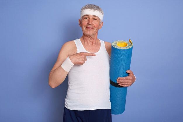ประกันสุขภาพคนแก่
